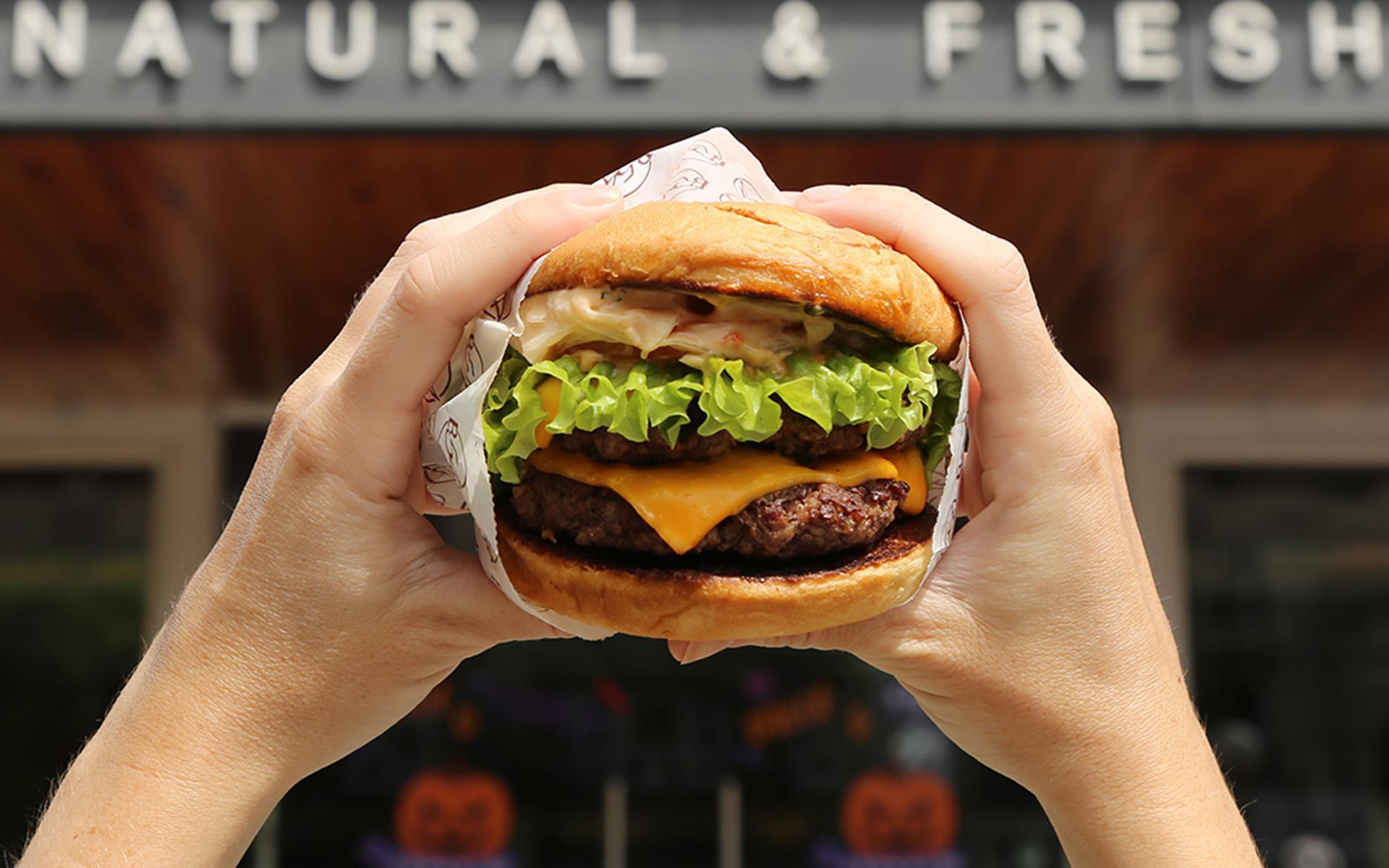 Double Cheese Burger                       Acompañala con nuestros aros de cebolla!